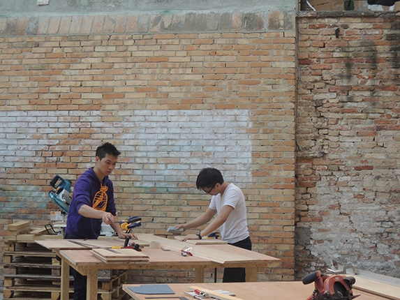 http://www.venicebiennale.hk/2013/wp-content/uploads/2013/05/Install-7.jpg