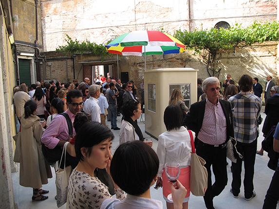 http://www.venicebiennale.hk/2013/wp-content/uploads/2013/06/IMG_3664.jpg